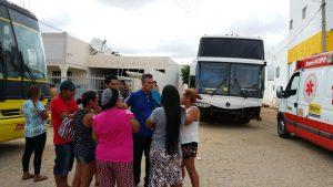assalto-onibus-de-sacoleiros-de-Belém-do-Pará-300x169 Exclusivo: Bandidos armados assaltam ônibus de sacoleiros e levam mais de200 mil entre Monteiro e Sertânia