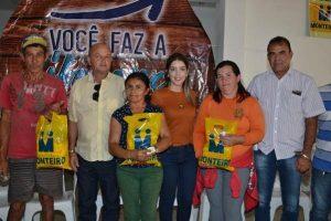 05012018091628-300x200 Prefeitura de Monteiro entrega cestas básicas aos agentes de limpeza do município