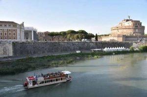9l02d0a8gf_9lqo76bulp_file-300x199 Turista brasileiro em lua de mel morre ao cair de mureta em Roma