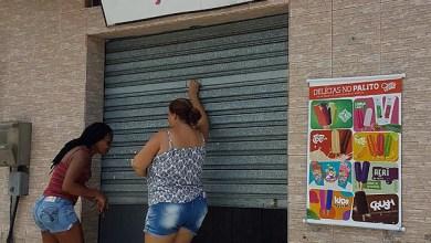 Bolsonaro emprega servidora fantasma que vende açaí em Angra 6