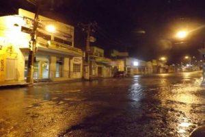 chuva-300x200 Chuva em Itaporanga registra mais de 200 milímetros e alaga cidade