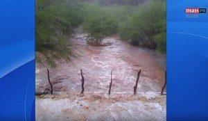 rio-PARAIBA-300x174 Chuva enche rio Paraíba e segue para Boqueirão