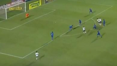 Jadson dá show, Corinthians goleia o Azulão e vence a primeira no ano 4