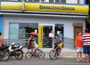 timthumb-3-2-300x218 Banco do Brasil volta a funcionar