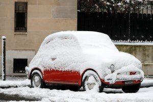 2018-02-07t120625z-1965356018-rc1f3bb04a50-rtrmadp-3-france-weather-snow-300x200 Nevasca obriga motoristas e dormirem em carros