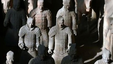 Autoridades chinesas pedem 'punição exemplar' para americano que roubou polegar de estátua de 2 mil anos 5