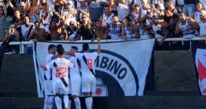 1_vasco-6149258-300x159 Vasco vence Botafogo por 3 a 2 em clássico movimentado no Nilton Santos