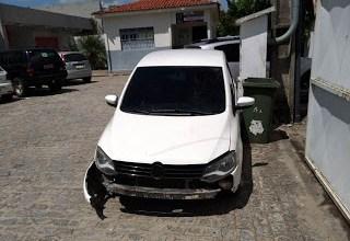 Carro roubado em Monteiro é encontrado em Campina Grande 4