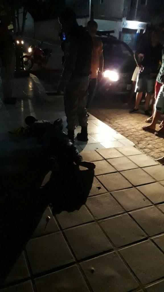 assalto-em-Monteiro-576x1024 Vereador prende menor que assaltou restaurante no centro de Monteiro