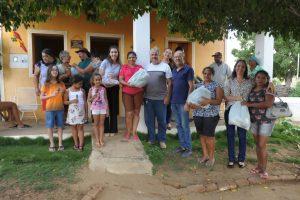 Prefeita de Monteiro visita comunidades rurais para ouvir pleitos dos moradores e distribui chocolates 3