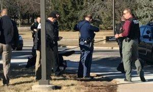 Duas pessoas são mortas por atirador em universidade 1