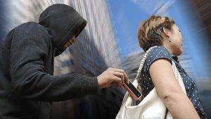 ROUBO-DE-CELULAR-300x169 Menor é apreendido após furtar celular em Sertânia