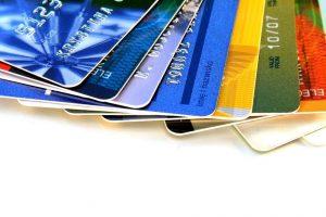 cartao_de_credito-300x200 Governo limita juros do cartão e acaba com pagamento mínimo da fatura