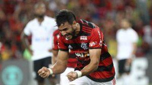 xdourado-flamengo.jpg.pagespeed.ic_.W-XTfBC2jK-300x169 Sob pressão, Henrique Dourado assume artilharia do Flamengo na temporada