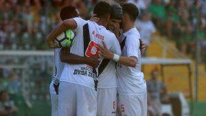 xvasco-gol.jpg.pagespeed.ic_.QP8pBSp5hr-300x169 Vasco reage no segundo tempo, mas não consegue virar contra a Chapecoense: 1 a 1