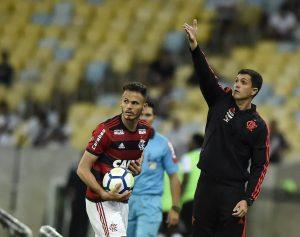 34-300x237 Flamengo suspende o contrato de Guerrero pela segunda vez