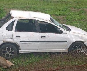 Carro-estaria-participando-de-disputa-de-velocidade-ilegal-em-JP-300x245 Mulher e adolescentes se ferem em acidente durante suposto 'racha'