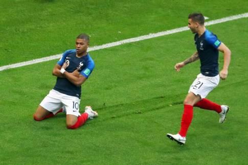 esporte-copa-oitavas-fra-arg-20180630-024 França deixa Argentina segurar a bola e não perdoa nas finalizações