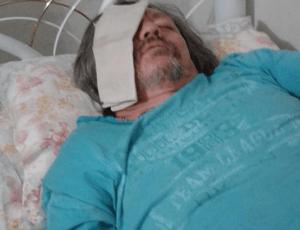 """JOAO_B-300x230 Cineasta João Badalo faz cirurgia no olho e tranquiliza  fãs """" Está Tudo Bem,Foi um Sucesso!"""""""