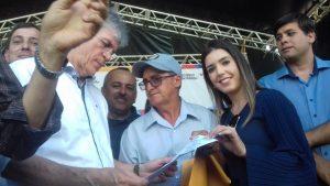 NEM-DE-JULIA-E-ANNA-LORENA-300x169 Vereador Nem de Julia entrega requerimento a Ricardo Coutinho solicitando limpeza do Açude de Pocinhos