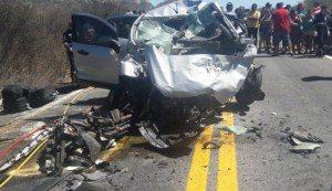 acidente-sertão-300x173 Acidente entre carro e ambulância deixa mortos no Sertão da Paraíba