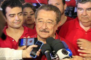 """Maranhao-e1533568647777-1-696x464-300x200 """"É uma luta de Davi e Golias"""", declara Maranhão ao comemorar 1º lugar em pesquisa e inaugurar comitê"""