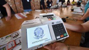 103749386_urna-1-300x169 TSE anunciará medidas para 2º turno da eleição