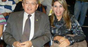 images-16-300x160 Dupla com santinhos e adesivos de Edna e João Henrique são presos com lista de eleitores