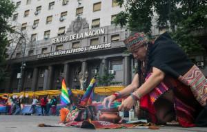 Ativistas se mobilizam contra G20 na Argentina 4