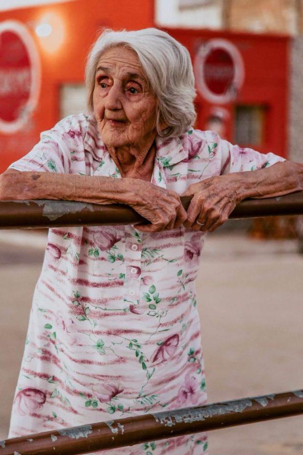 cotinhashow3-682x1024 Aos 97 anos, vovó Monteirense é sucesso nas redes sociais