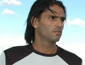 Jogador..-300x230 Cidade de Monteiro será palco de estrelas em partida beneficente no Feitosão