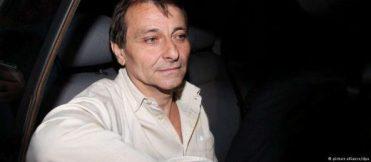 40852505354-520x227 Cesare Battisti é preso na Bolívia
