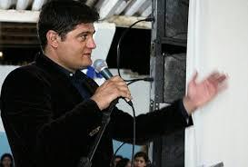 download-1 Prefeito de Zabelê anuncia alteração no quadro de secretários; veja o que muda