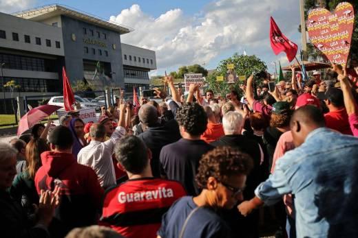 Futuro de Lula na prisão preocupa PF em Curitiba após acúmulo de penas 1
