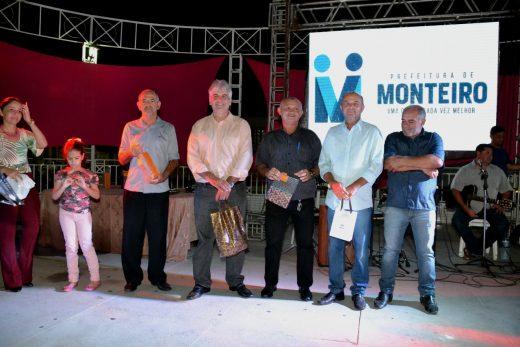 índice-1-520x347 Câmara de Monteiro realizou em parceria com a prefeitura, evento alusivo ao Dia Internacional da Mulher com grande público