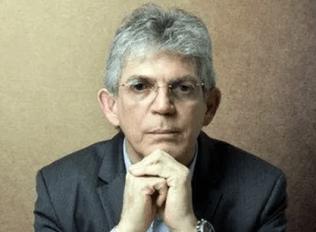 """19-03-2019.172009_DESTAQUE-1-1 Ricardo lamenta execração pública e fake news: """"são uns canalhas, processarei todos"""""""