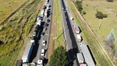 Bolsonaro diz que governo vai criar cartão-caminhoneiro 13