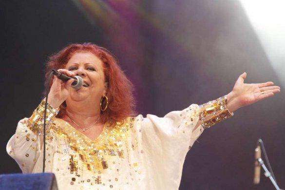 Beth_Carvalho-585x390 Morre aos 72 anos Beth Carvalho, a 'madrinha do samba'