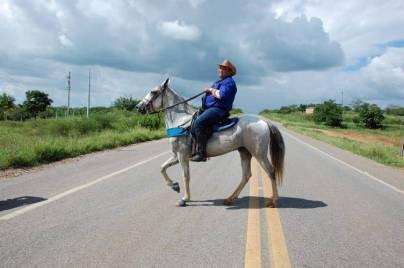 fotos-da-13ª-cavalgada-da-integracao-do-cariri-em-monteiro-4 FOTOS: 13ª Cavalgada da Integração do Cariri reúne centenas de cavaleiros em Monteiro.
