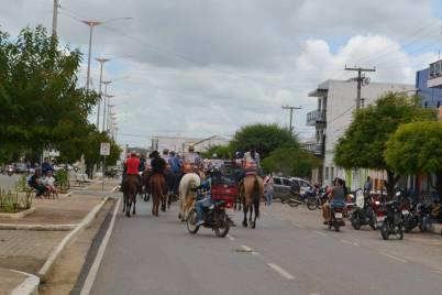 fotos-da-13ª-cavalgada-da-integracao-do-cariri-em-monteiro-6 FOTOS: 13ª Cavalgada da Integração do Cariri reúne centenas de cavaleiros em Monteiro.