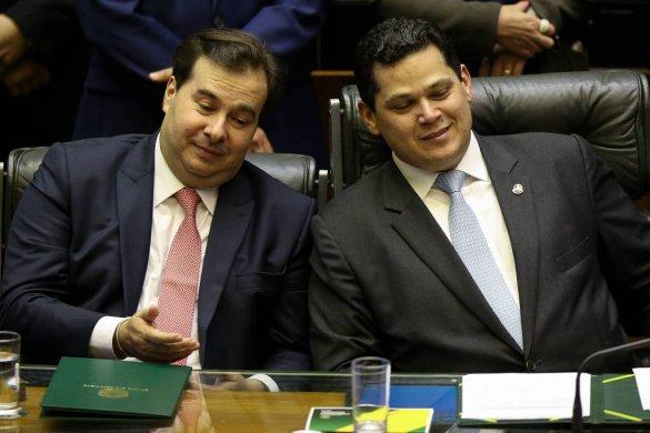15493336335c58f4816e4b1_1549333633_3x2_lg-585x390 Congresso limita ação de Bolsonaro e debate semiparlamentarismo