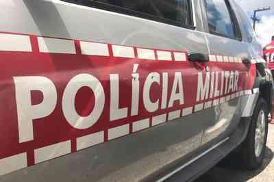 POLICIA-MILITAR-VIATURA Homem  acusado de cometer abuso sexual contra filha é preso em Serra Branca