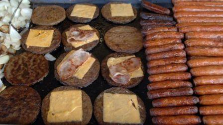 CARNES A queda de braço entre União Europeia e veganos sobre como chamar as imitações de carne