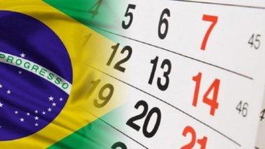 calendario-feriados-nacionais-696x391-694x390 Comissão do Senado aprova projeto que antecipa feriados para segunda-feira
