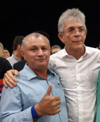 """111-319x390 Vereador Farias comemora absolvição de Ricardo: """"Me incentivou a entrar na política"""""""