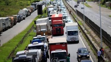 Sob ameaça de greve, ministro encontrará caminhoneiros para discutir frete 9