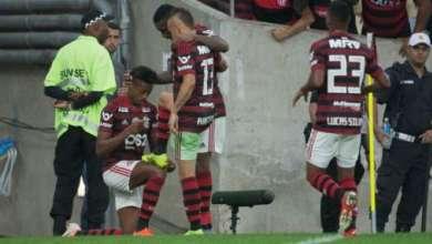De virada, Flamengo bate Botafogo e segue na luta pela liderança do BR 6