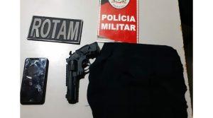 Polícia prende casal suspeito de praticar assalto em Monteiro 7