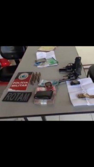 71310079_2696617553721911_150549689035390976_n-219x390 Homem residente em Sumé é preso em Monteiro com carro clonado, arma e dinheiro.