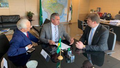 Frei Anastácio e Julian Lemos cobram de Ministro retorno da água no Eixo Leste da Transposição 2
